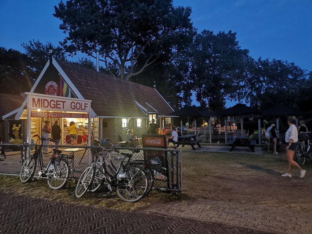 Cafetaria en Midgetgolf formerum