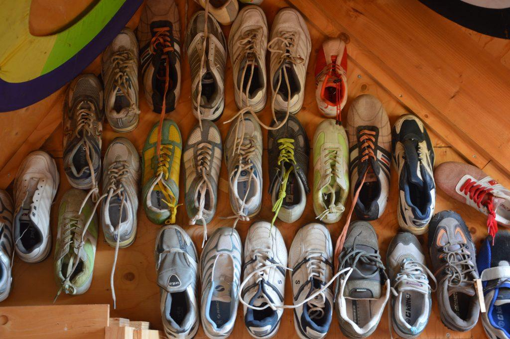 schoenen in het wrakkenmuseum