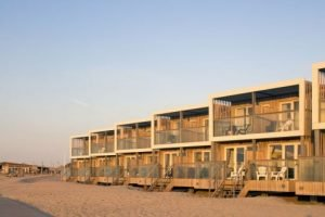 Lees meer over het artikel Roompot LARGO Beach Villa's Hoek van Holland