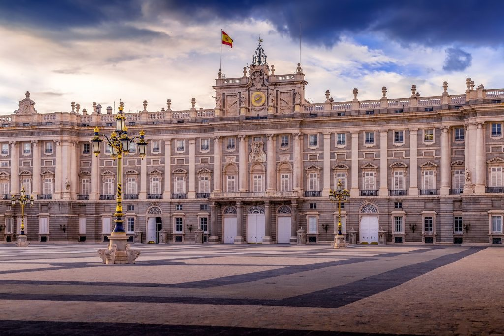kathedraal palacio madrid met kinderen